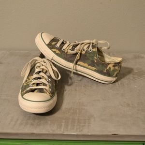 Converse Camo All Star Shoes Mens 5 / Womens 7